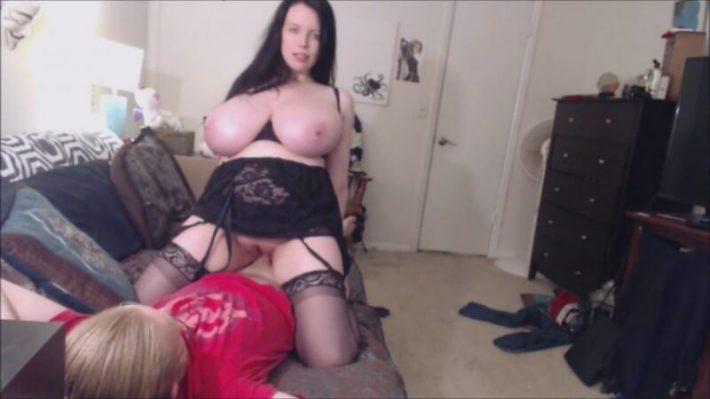 Lovely Lilith PornStar, huge busty webcam