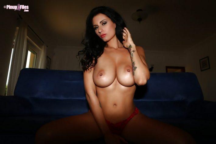 Girl next door dyan nude