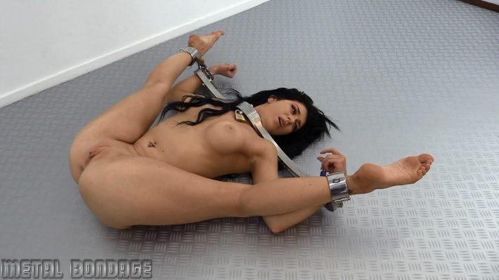 Metal Bondage Com