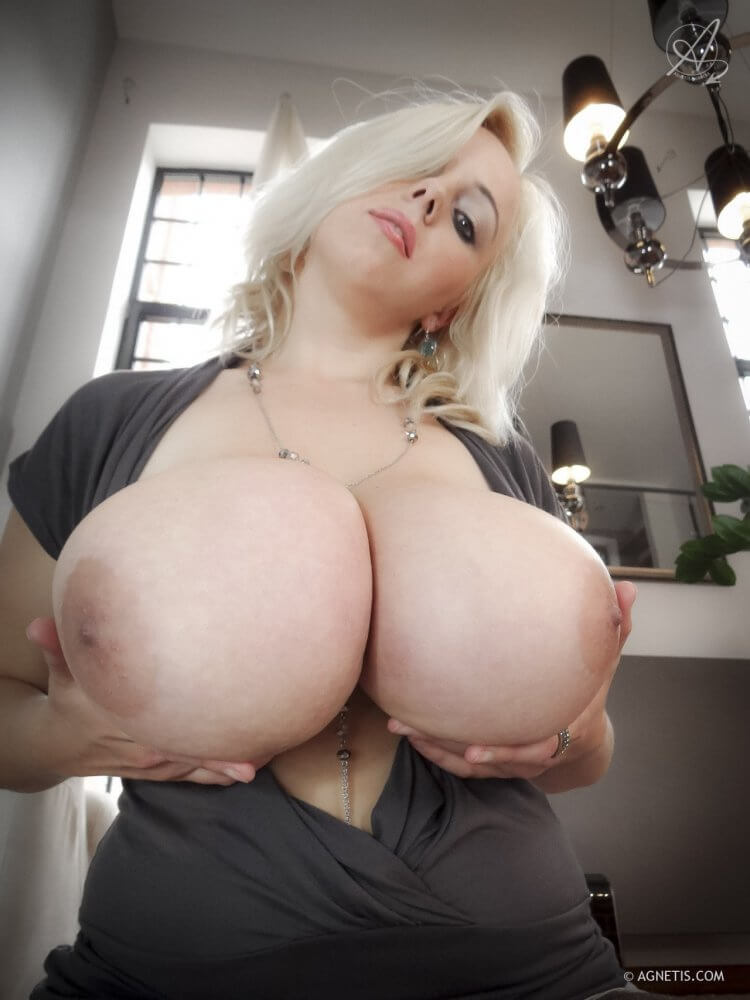 Agnetis SiteRip – 18 Clips