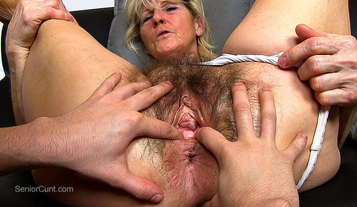 Jenny gyno pussy speculum exam on gynochair by old kinky doc